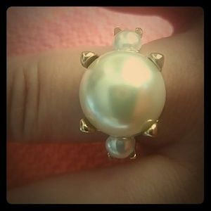 BANANA REPUBLIC Faux pearl ring